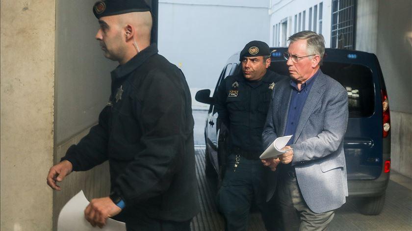 Vara admite ilícito fiscal, justifica milhão de euros da filha com trabalhos de consultoria