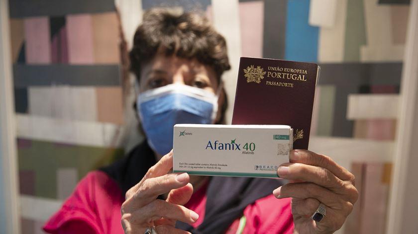 """""""Há portugueses em estado muito crítico"""". Mais de 800 têm a saúde em risco por falta de medicamentos"""