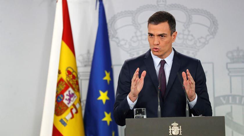 Pedro Sánchez convoca eleições antecipadas para o dia 28 de abril