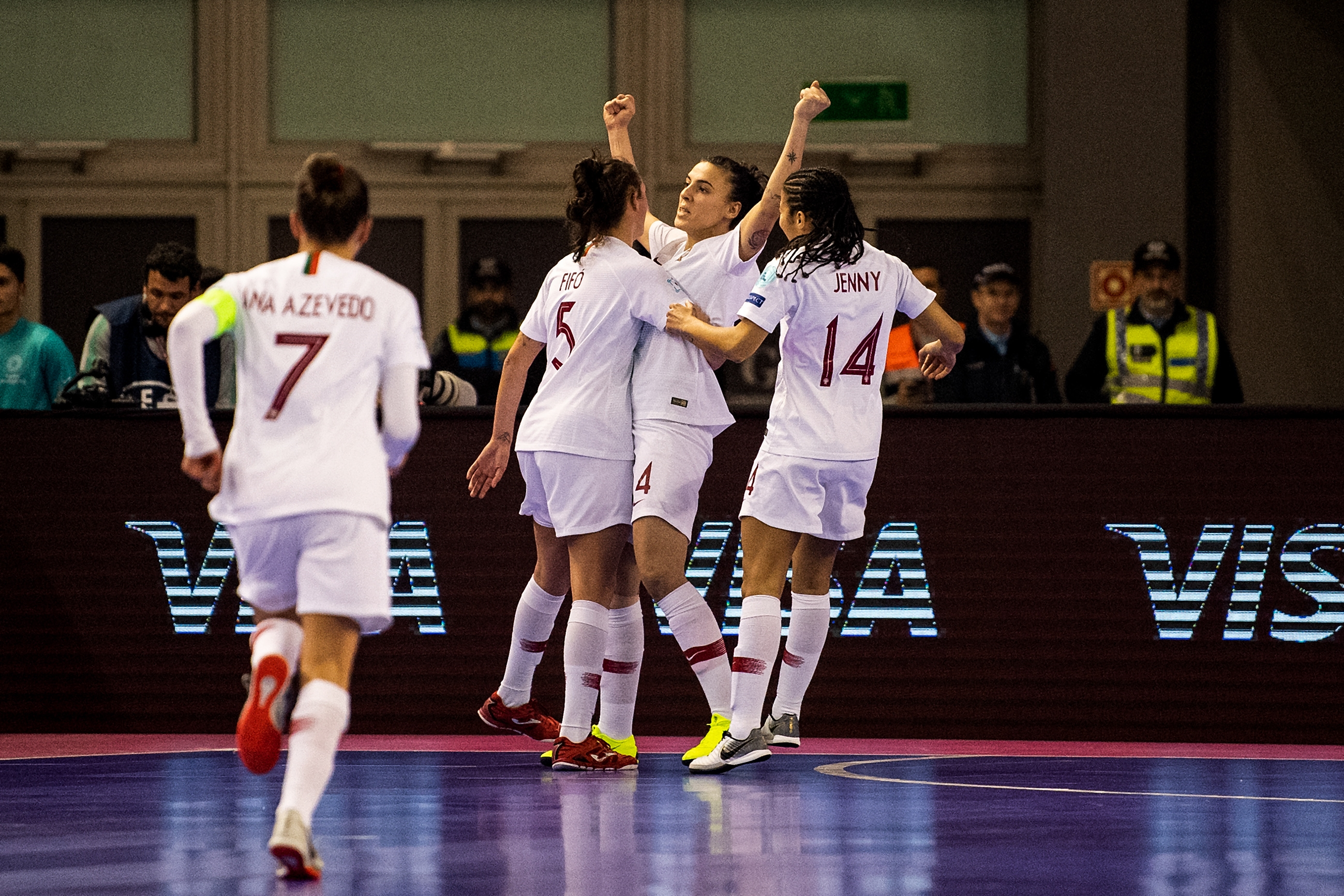 8764cfe4df Portugal vence Ucrânia e está na final do Europeu de Futsal feminino ...