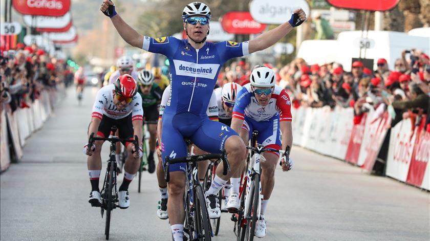 Sprinter holandês vence primeira etapa da Volta ao Algarve