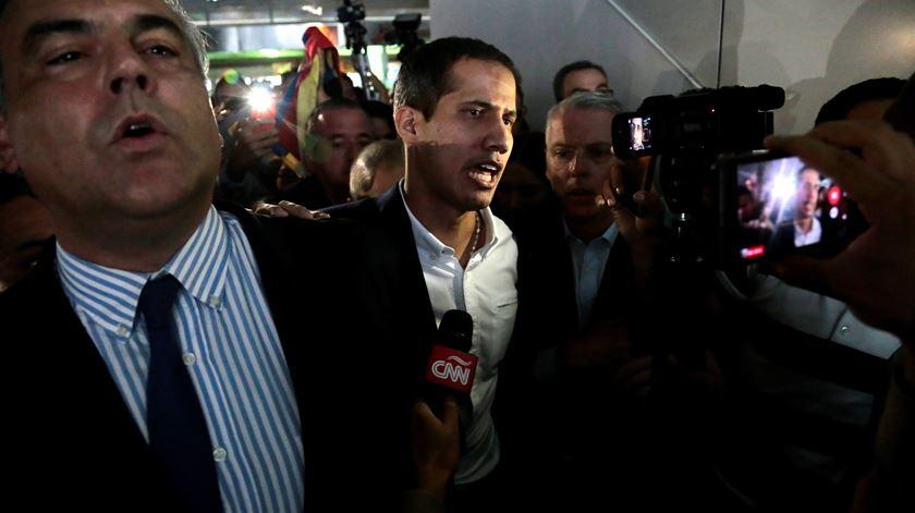 Guaidó nega qualquer envolvimento em invasão marítima