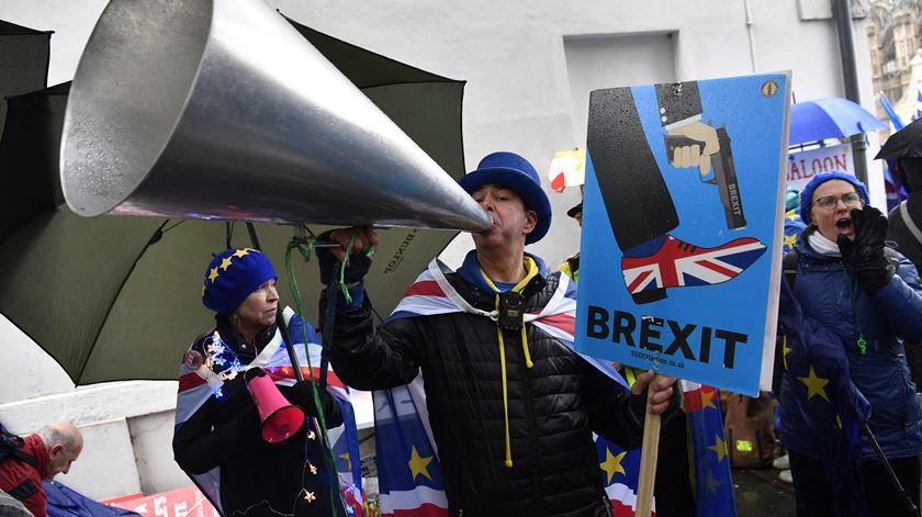 """França rejeita adiar Brexit. """"Os britânicos que assumam a sua situação"""""""