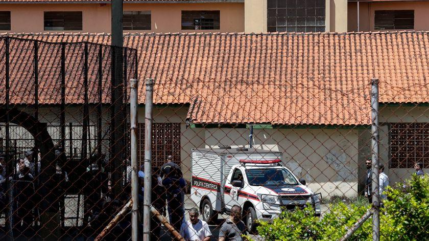 Massacre em escola no Brasil faz dez mortos