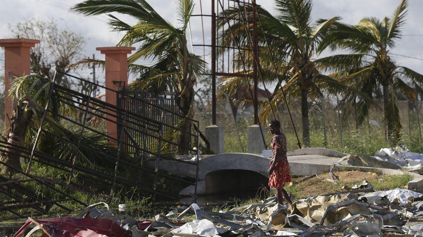"""""""A situação está muito crítica em Moçambique"""". Português regressa a Lisboa"""