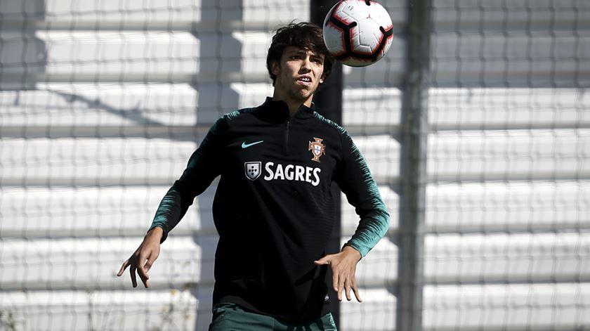 """João Félix revela """"sonho tornado realidade"""" ao partilhar balneário com Cristiano Ronaldo"""