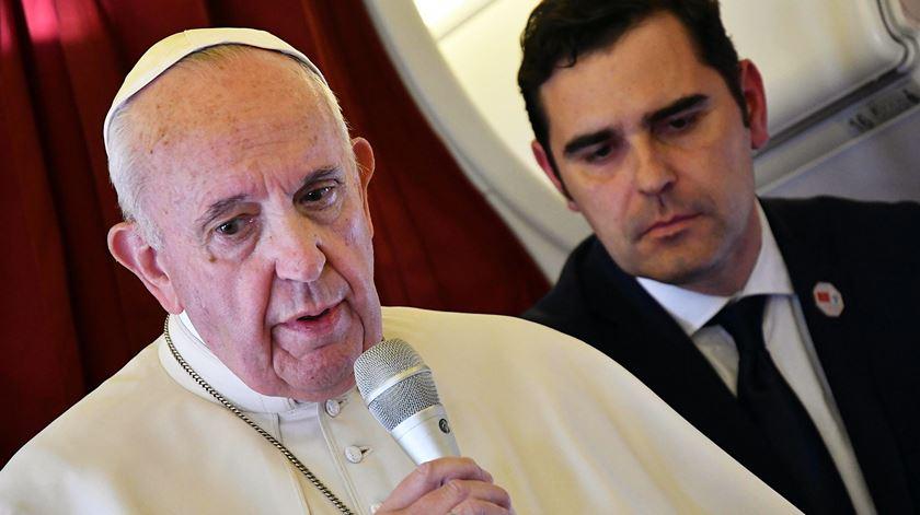 """Papa. """"Os construtores de muros serão prisioneiros dos muros que erguem"""""""