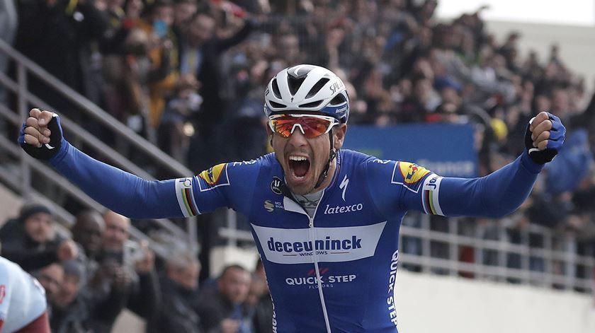 Philippe Gilbert, Deceuninck - Quick Step, conquista Paris-Roubaix. Foto: Christophe Petit Tesson/EPA