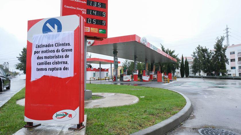 Crise dos combustíveis. Portugueses podem ter Páscoa mais tranquila, diz secretário de Estado