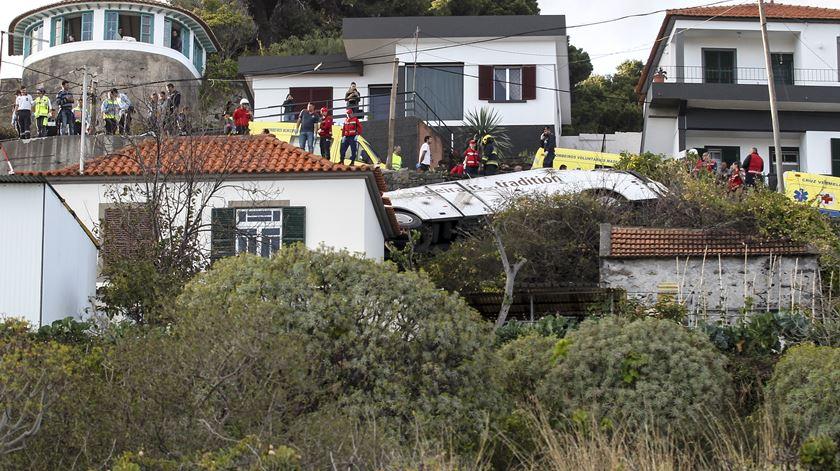 """Acidente da Madeira deu-se numa curva apertada numa zona """"sinuosa"""""""