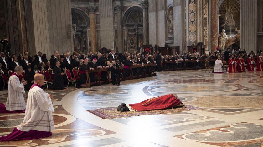 """Papa presidiu à celebração da Paixão que teve presente os """"descartados"""" da sociedade"""