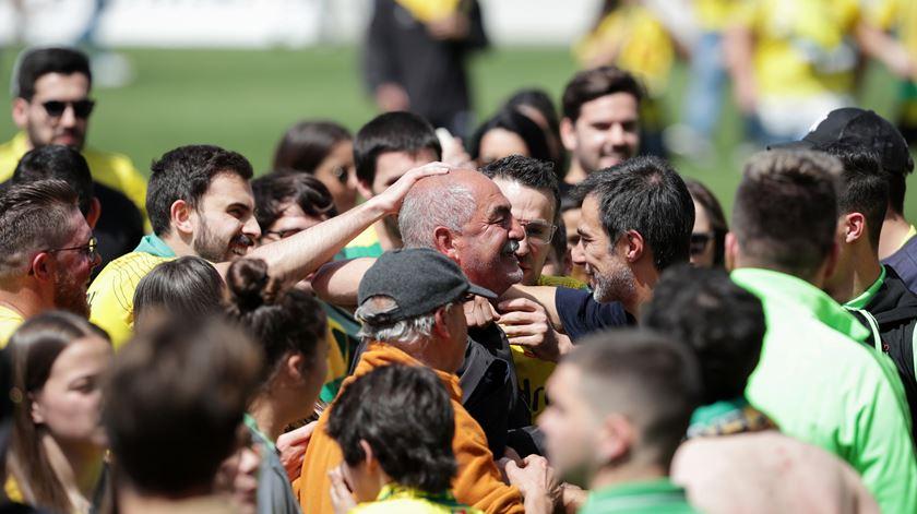 Presidente do Paços de Ferreira confirma negociações para manter Vítor Oliveira na I Liga