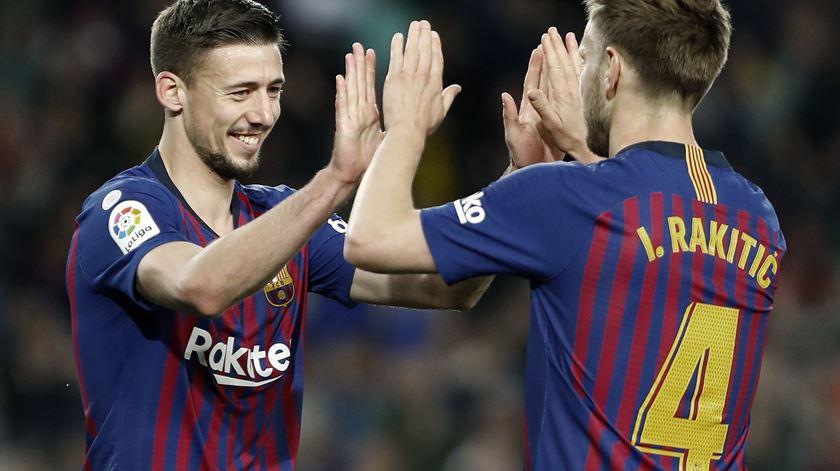 Barcelona ganha e está a duas vitórias do título