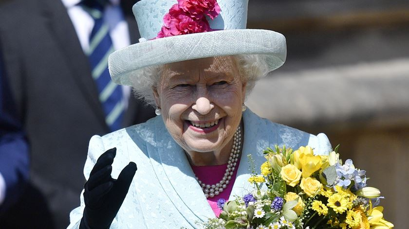 Rainha promulga pedido de adiamento do Brexit. Boris confiante na saída