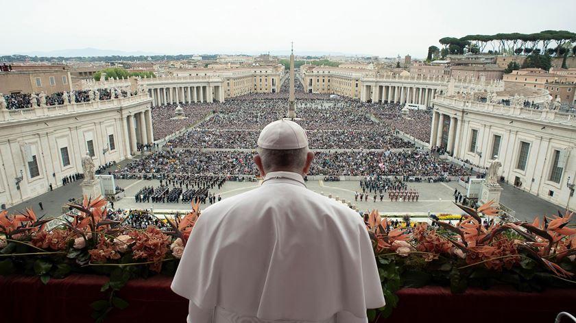 """Papa espera que """"todos condenem os atos terroristas"""" no Sri Lanka"""