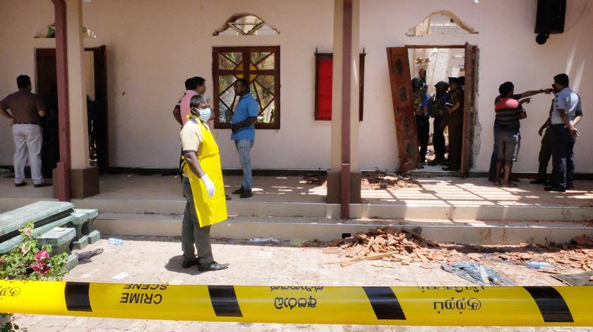 Igreja de Katuwapitiya St. Sebastian, em Negombo, perto de Colombo. Foto: STR/EPA