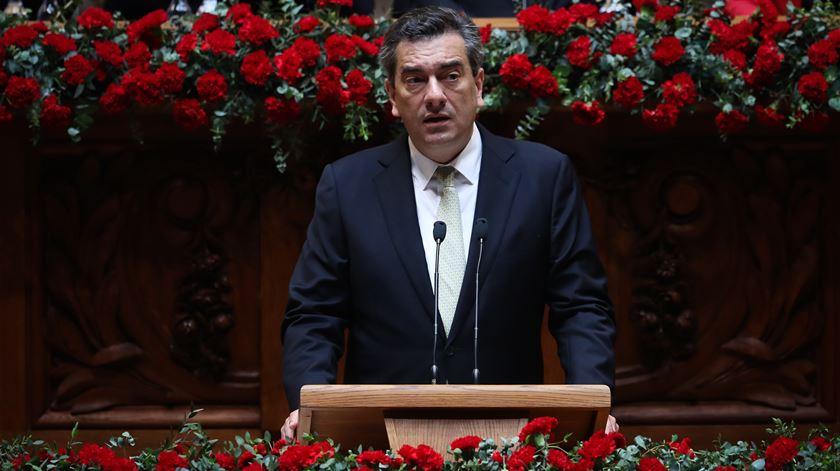 "CDS repudia a ""banalizada familiaridade"" no Governo"