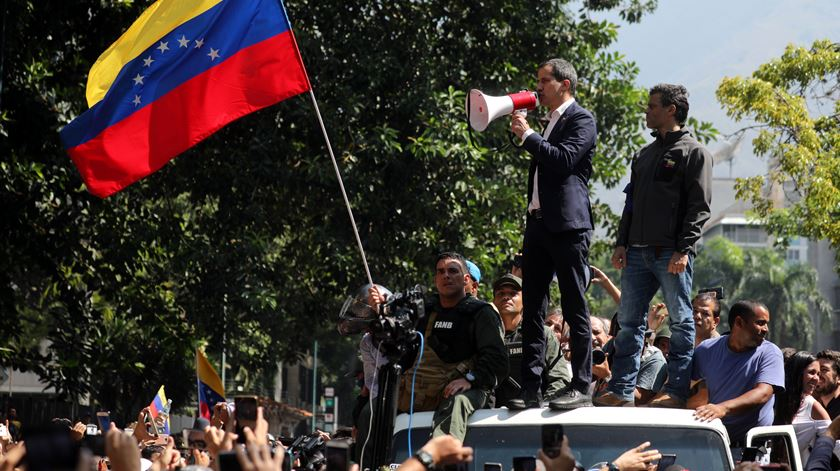 """Venezuela. Guaidó diz que """"Maduro não tem o apoio dos militares"""" e apela à mobilização"""