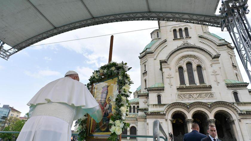 Papa na Bulgária com apelos ao diálogo ecuménico e à atenção aos refugiados