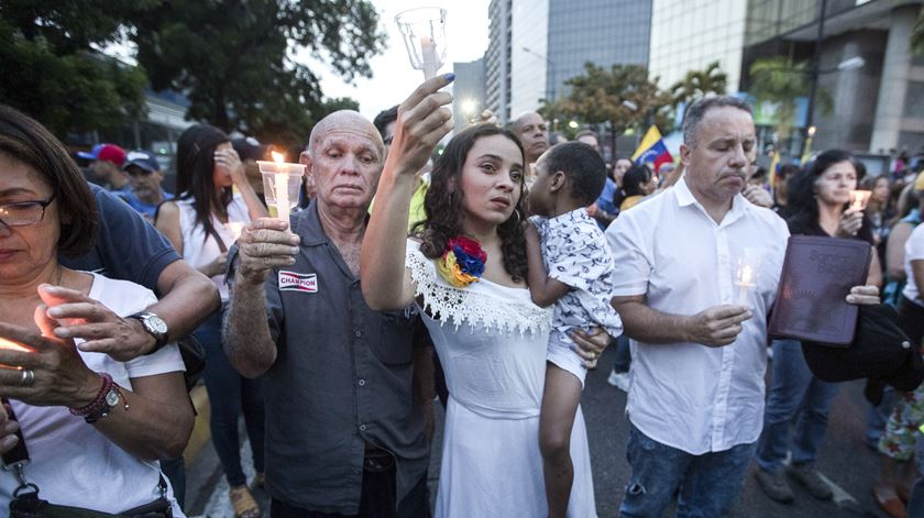 """Vigília em Caracas pelos mortos na Venezuela. """"Não podemos suportar mais a situação do país"""""""