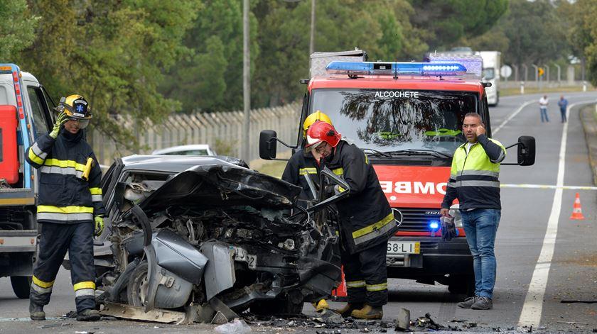 Resultado de imagem para Operação Natal. GNR regista 987 acidentes desde sexta-feira