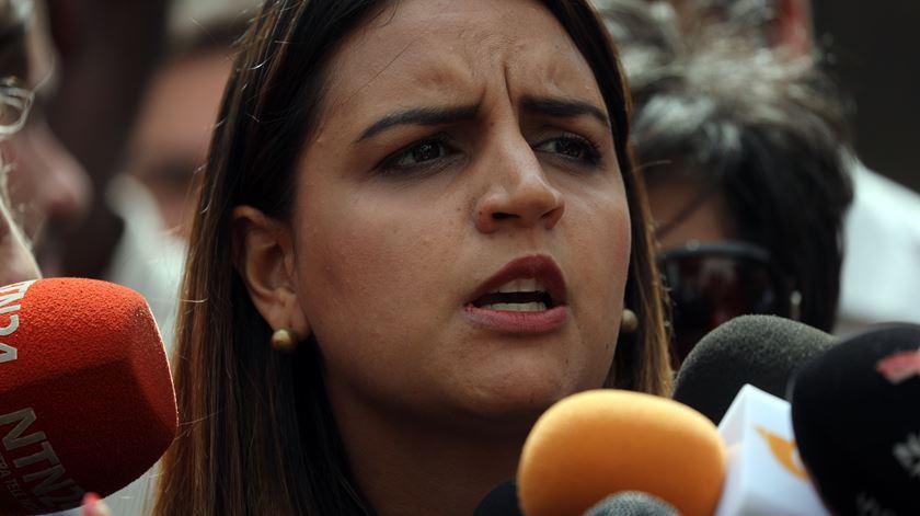 """Oposição venezuelana desconhece paradeiro de """"vice"""" do parlamento e pede prova de vida"""