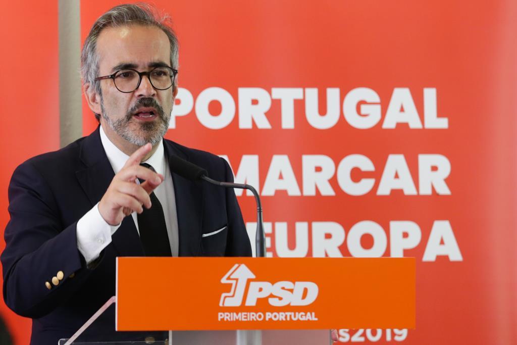 """""""Fizemos queixa à entidade europeia responsável pela proteção de dados"""", diz Rangel. Foto: Tiago Petinga/Lusa"""