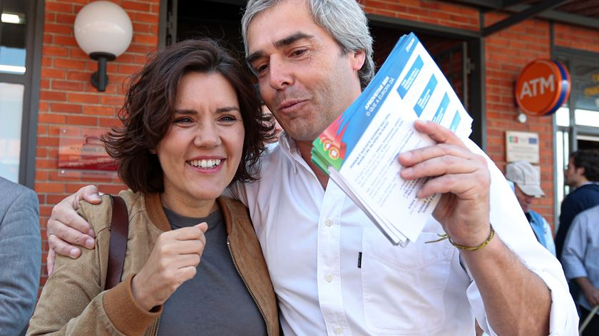 ssunção Cristas e Nuno Melo no mercado de Olhão. Foto: Luís Forra/Lusa