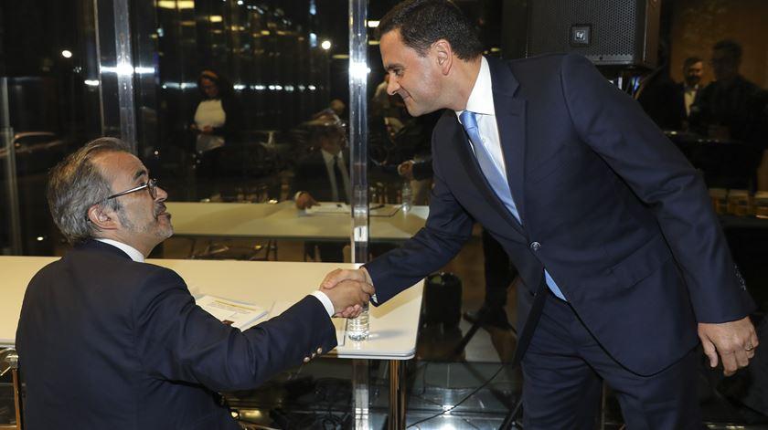 Paulo Rangel e Pedro Marques cumprimentaram-se antes do debate. Foto: Miguel A. Lopes/Lusa