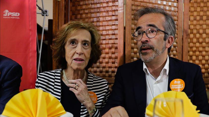 """Manuela Ferreira Leite denuncia falta de investimento que """"está a levar o país à desagregação"""""""