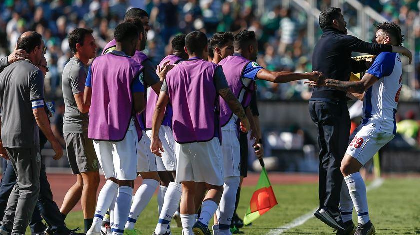 Soares pede desculpa aos adeptos do Porto e a Casillas