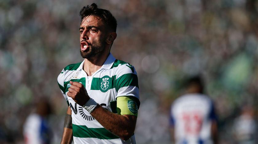 Bruno Fernandes admite ficar no Sporting