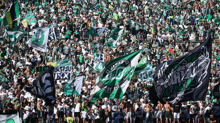 """Directivo acusa Sporting de """"clara tentativa de camuflar a crise"""""""