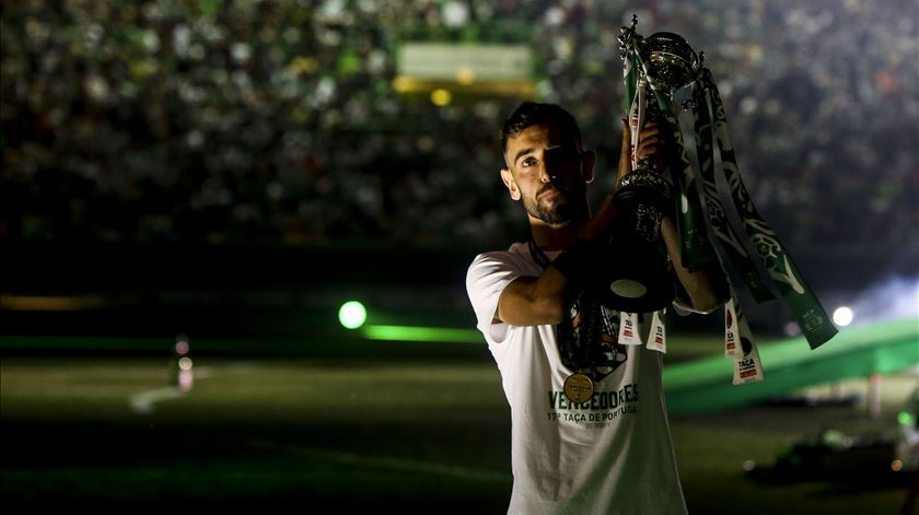 """Bruno Fernandes aos adeptos do Sporting: """"Sei que querem mais, nós também"""""""