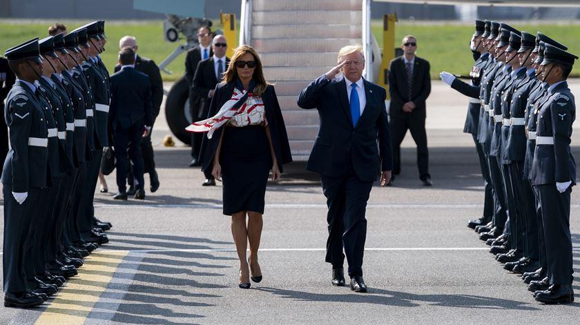 Trump no Reino Unido para visita de Estado com banquete em Buckingham