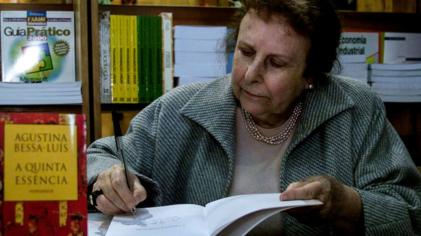"""Egoísta"" reedita especial dedicado a Agustina Bessa-Luís"