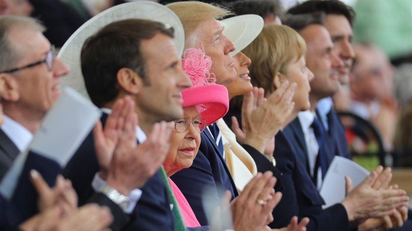 Emmanuel Macron, Donald Trump, a Rainha Isabel II de Inglaterra e Angela Merkel foram alguns dos líderes que marcaram presença. Foto: EPA