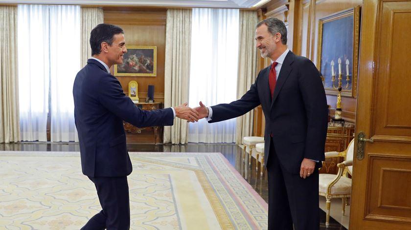 Espanha. Sanchez aceita convite do rei para formar Governo