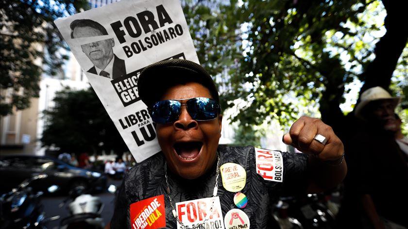 Greve geral no Brasil com paralisações e protestos em 23 estados