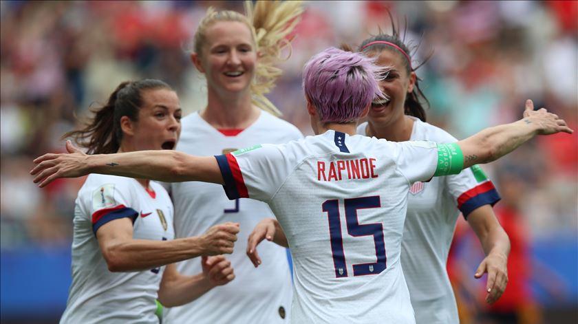 """Atleta do ano da """"TIME"""" é a seleção feminina de futebol dos Estados Unidos"""