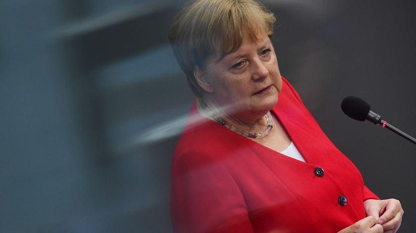 Covid-19. Alemanha mantém restrições, mas começa a reabrir escolas em maio