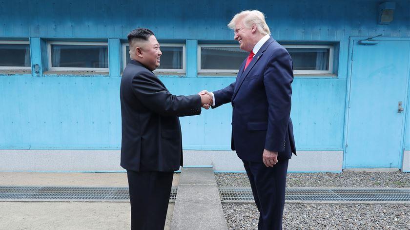 Negociações podem ser retomadas ainda este mês após encontro histórico de Trump e Kim