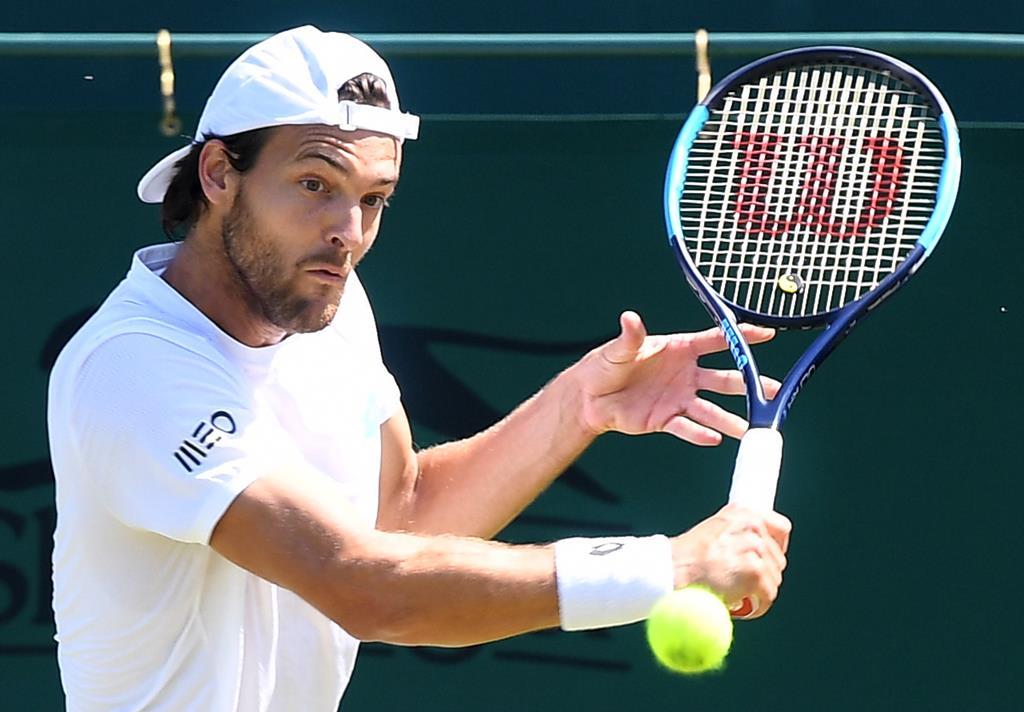 João Sousa foi eliminado na 2.ª ronda de qualificação do Open da Sérvia Foto: Andy Rain/EPA