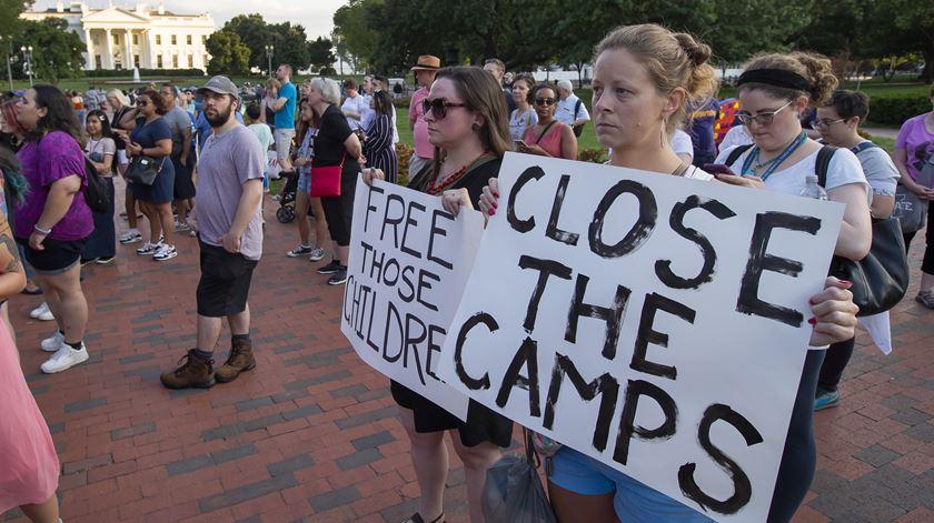 Manifestação contra centros de detenção de migrantes nos Estados Unidos. Foto: EPA