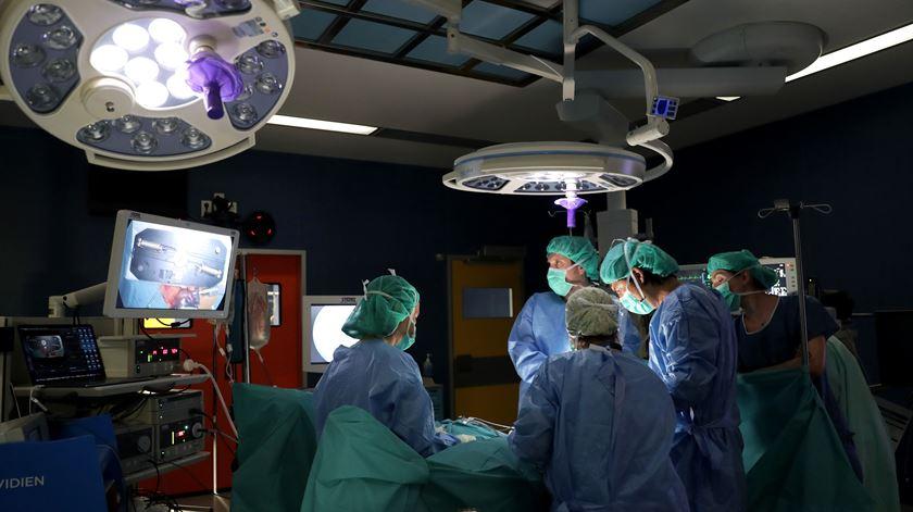Está a aumentar o tempo de espera para cirurgia