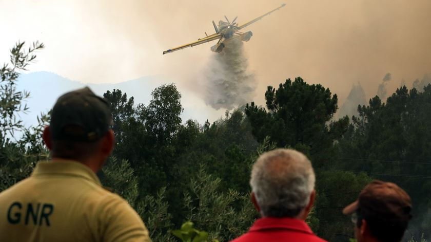 Risco muito elevado de incêndios mantém-se nas próximas 48 horas