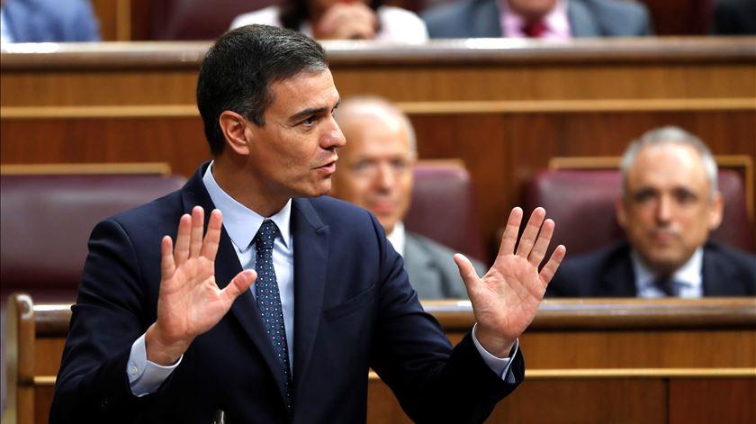 Espanha. Independentistas catalães vão abster-se e permitir investidura de Sanchez