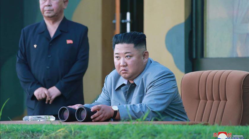 Coreia do Norte volta a disparar mísseis. Trump desvaloriza