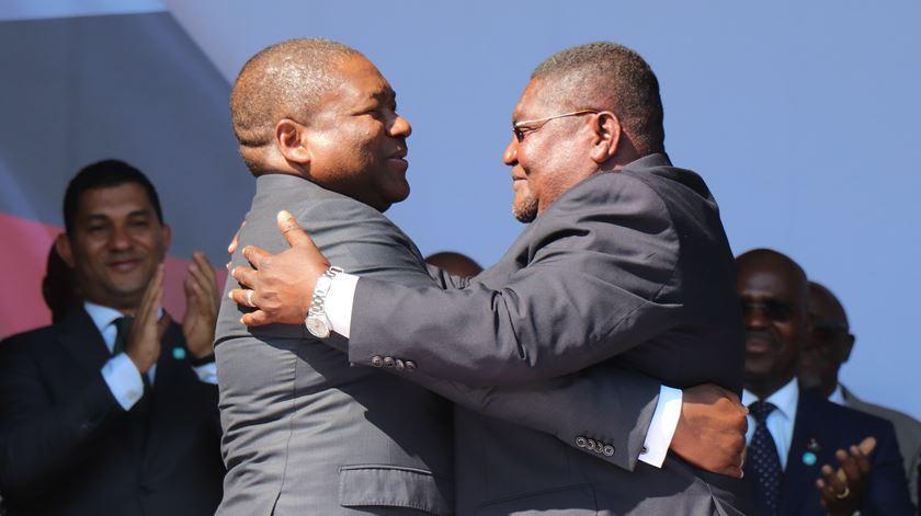 Assinado acordo de cessação de hostilidades em Moçambique