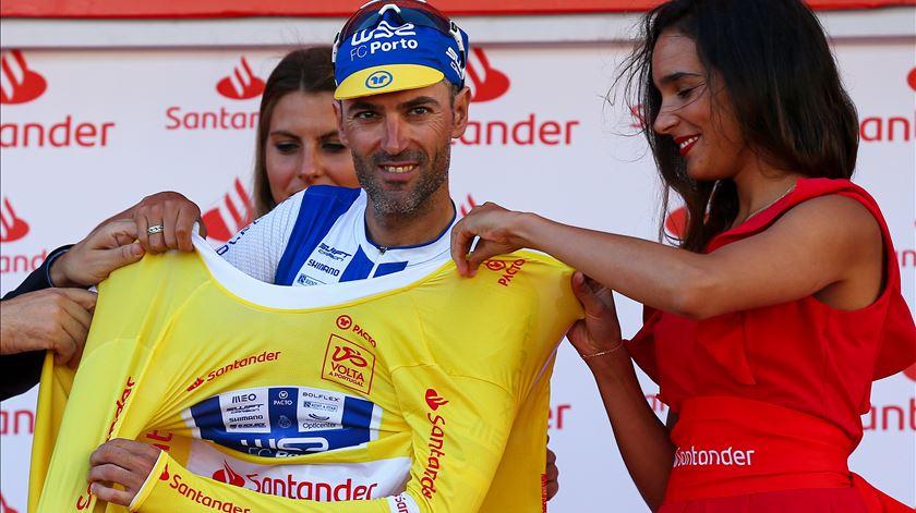 Mikel Aristi vence segunda etapa da Volta a Portugal, mas a camisola amarela fica para Gustavo Veloso